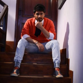 Actor-Harish-Kalyan-Photo-Shoot-11