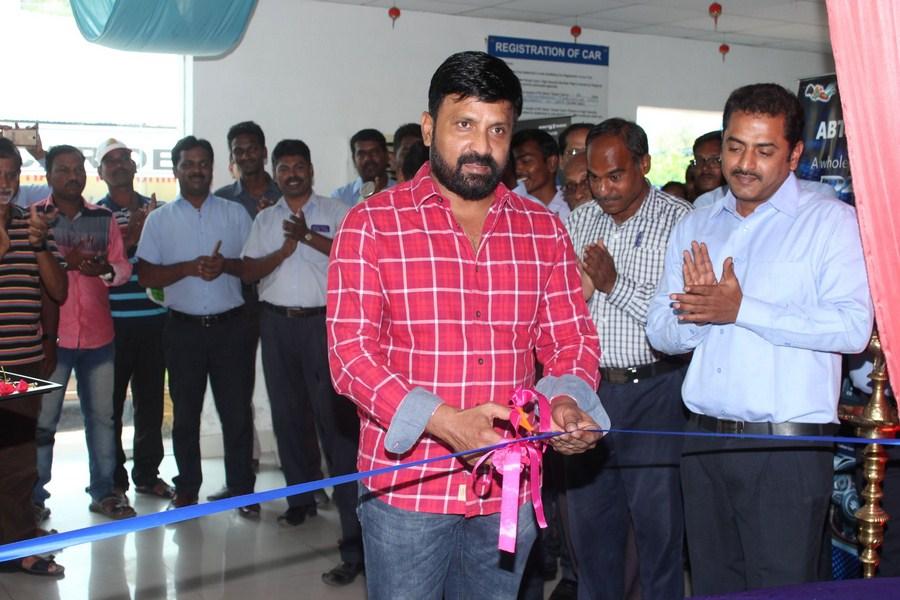 Chennai365   Actor Vignesh inaugurate Maaruthi Car at Guindy ...