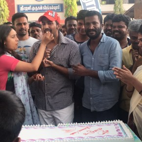 Actor-Vishnu-Vishal-s-Bday-Celebration-Stills-1