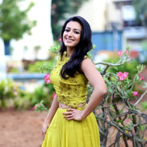 Actress-Catherine-Tresa-Photoshoot-Stills-2