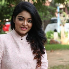 Actress Janani Iyer Photos Gallery