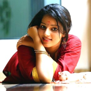 Actress-Malavika-Menon-Photos-7