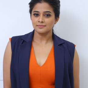 Actress-Priyamani-Latest-Photos-12