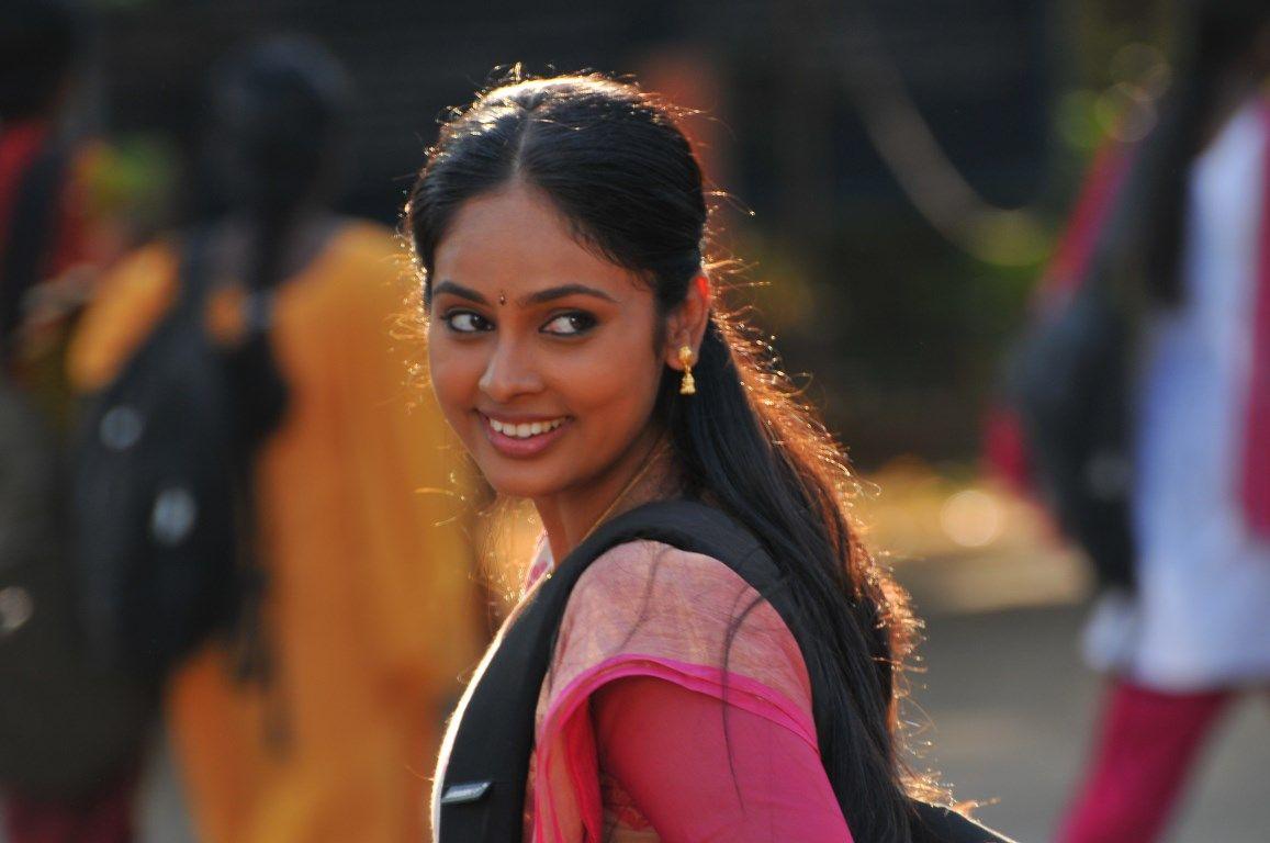 Anjala Movie New Stills