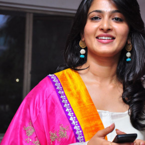 Anushka-Shetty-05-23-2011-Stills-010