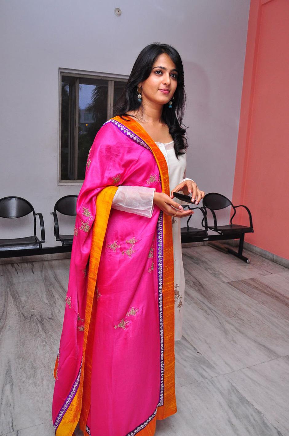 Anushka Shetty Hot Pictures  Bollywood Stars
