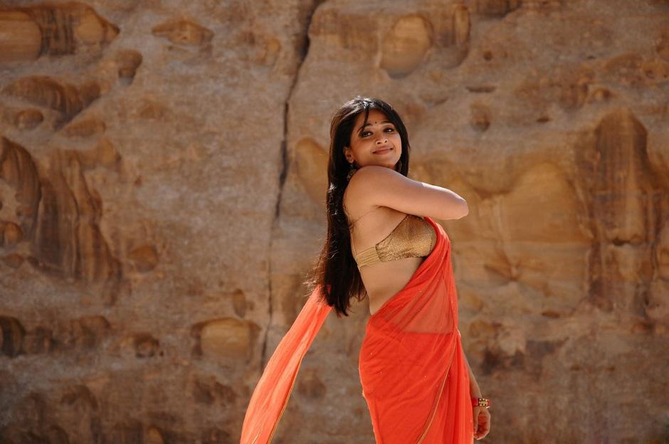 Chennai365 actress anushka shetty stills chennai365 thecheapjerseys Gallery