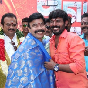 Avathara Vettai Movie Pooja Stills (28)