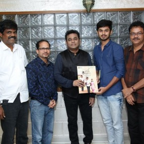 Celebrities-blessings-of-Palli-Paruvathile-Audio-Launch-_003