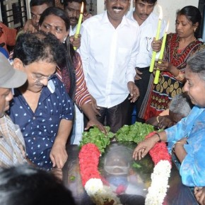 Celebrities-pay-homage-to-Actor-Kumarimuthu-4