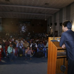Director-Bala-Press-Meet-Stills-8