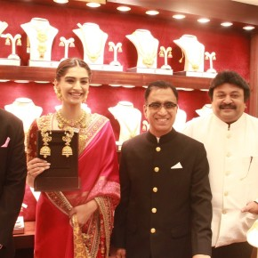 kalyan-jewellers-inauguration-at-annanagar-stills-12