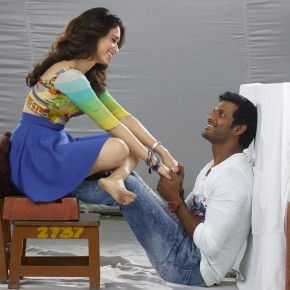 kaththi-sandai-movie-stills-3