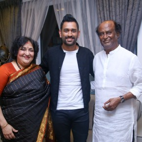 ms-dhoni-with-superstar-and-latha-rajinikanth-stills-3