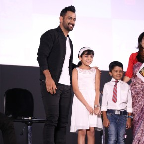 ms-dhoni-with-suriyas-kids-at-the-press-meet-6