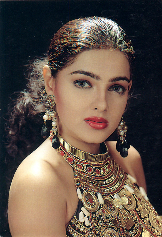 Mamta_Kulkarni-Hot-Short-biography.Com (2)
