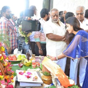 Nandu-En-Nanban-Movie-Launch-Stills-15