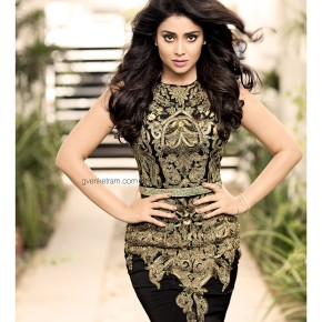 Shriya-Saran-Latest-Photoshoot-2