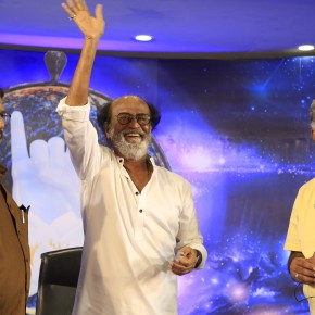 Superstar-Rajinikanth-Fans-Meet-Day-4-Photos-21