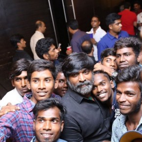 Vikram-Vedha-screening-at-Sathyam-Cinema-1