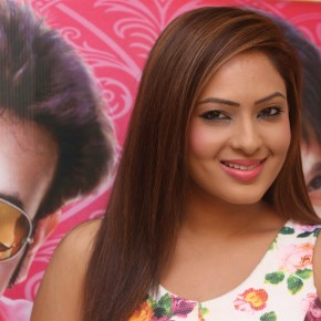 actress-nikesha-patel-new-stills-11